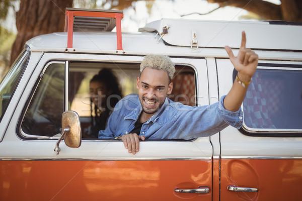 Portré örömteli férfi barát furgon női Stock fotó © wavebreak_media