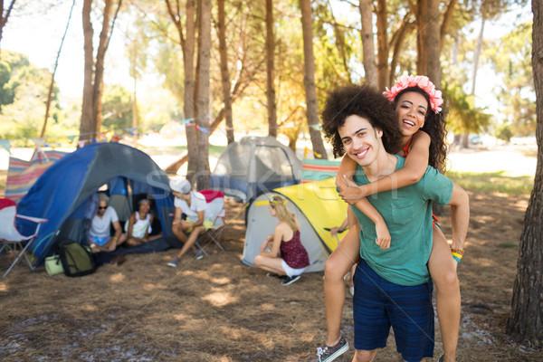 Boldog fiatalember nő barátok táborhely férfi Stock fotó © wavebreak_media
