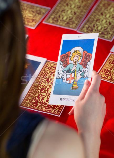 Tarot karty czerwony tabeli kobieta Zdjęcia stock © wavebreak_media