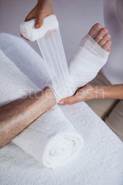 Bandaj yaralı ayaklar hasta klinik yaşlı adam Stok fotoğraf © wavebreak_media