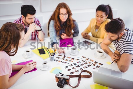 Trabalhando foto escritório jovem masculino feminino Foto stock © wavebreak_media