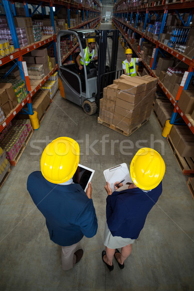 Armazém gerente cliente em pé indústria Foto stock © wavebreak_media