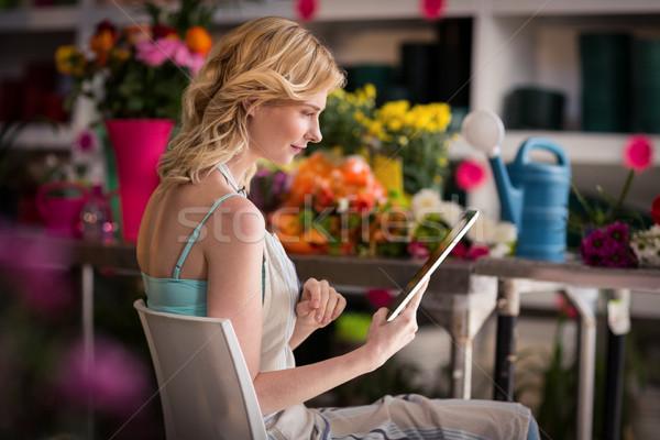 Femenino florista digital tableta tienda sonriendo Foto stock © wavebreak_media