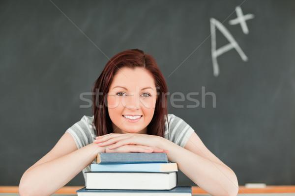ストックフォト: 若い女性 · 教室 · 学校 · 背景 · 教育