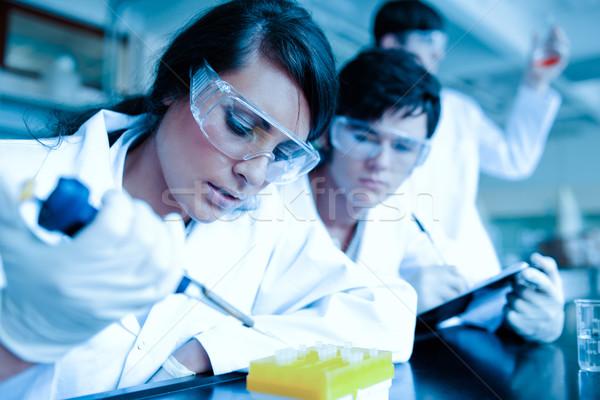 Genç bilim adamı sıvı test ortak Stok fotoğraf © wavebreak_media