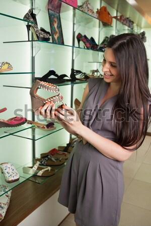 Donna scarpa sorridere boutique business Foto d'archivio © wavebreak_media