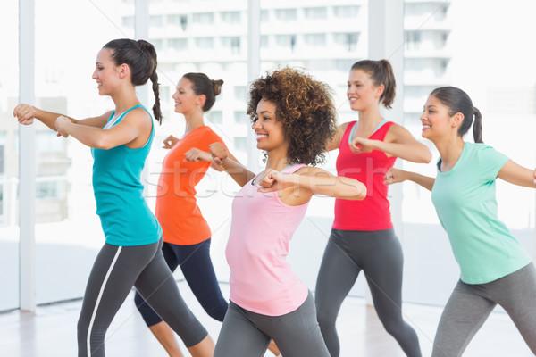 Fitness klasy instruktor pilates wykonywania wesoły Zdjęcia stock © wavebreak_media