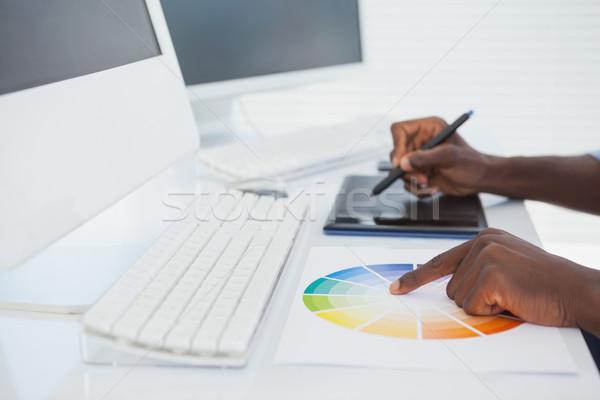 Designer ül asztal dolgozik számítógép iroda Stock fotó © wavebreak_media