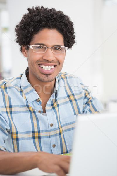 Gericht jonge zakenman glimlachend camera kantoor Stockfoto © wavebreak_media