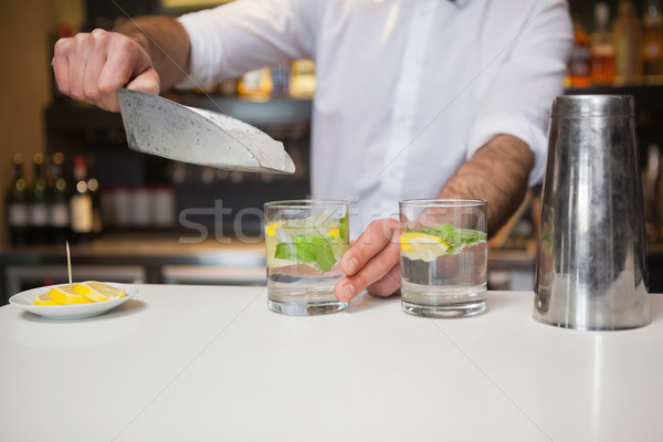 Stockfoto: Gelukkig · barman · cocktail · bar · glas