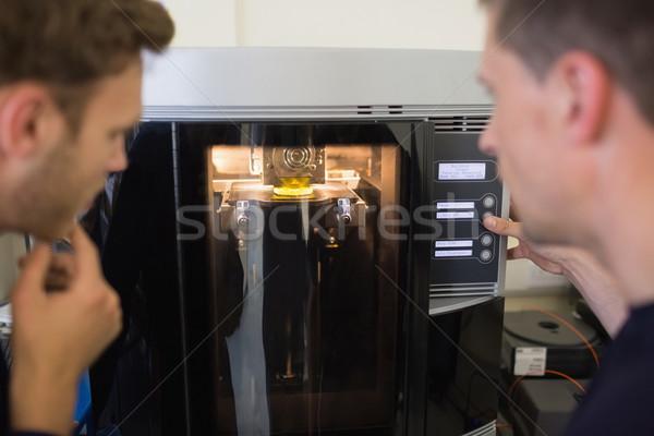 Génie élèves 3D imprimante Université ordinateur Photo stock © wavebreak_media