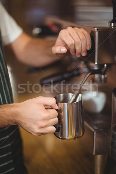 Stok fotoğraf: Barista · süt · kahvehane · çalışmak · Sunucu