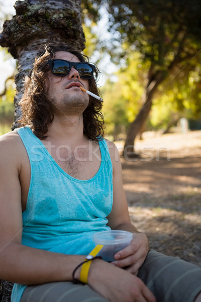 Man roken sigaret park dronken bier Stockfoto © wavebreak_media