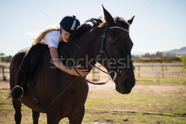 улыбаясь девушки коричневый лошади ранчо Сток-фото © wavebreak_media