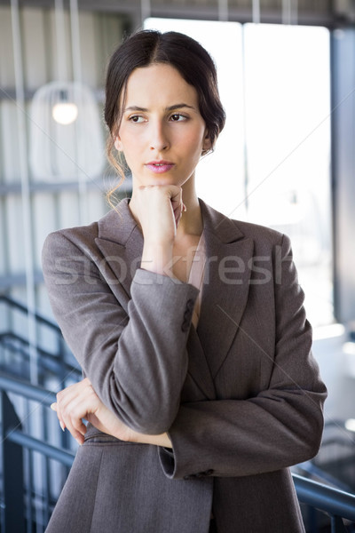 Jeunes femme d'affaires bureau affaires costume travailleur Photo stock © wavebreak_media