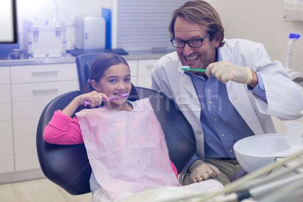 Glimlachend tandarts patiënt portret tandheelkundige Stockfoto © wavebreak_media