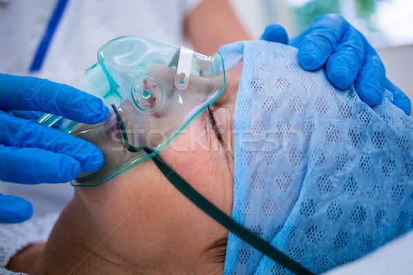 пациент кислородная маска кровать больницу Сток-фото © wavebreak_media