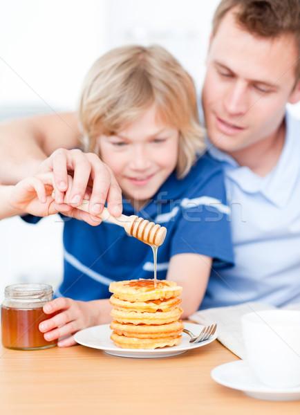Adorable nino padre miel familia café Foto stock © wavebreak_media