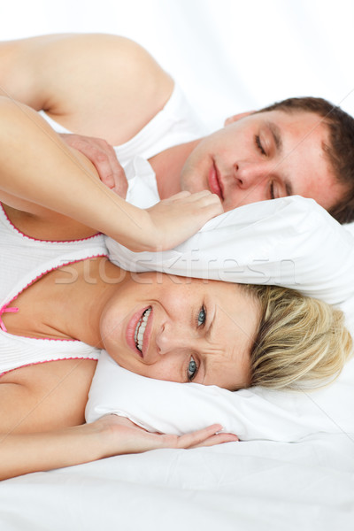 Femme dormir homme couple lit Photo stock © wavebreak_media