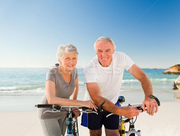 Emeryturę para rowery plaży morza zdrowia Zdjęcia stock © wavebreak_media