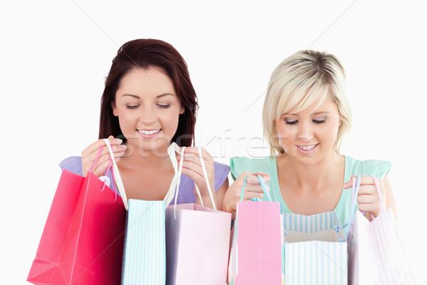 Gelukkig jonge vrouwen studio glimlach gezicht Stockfoto © wavebreak_media