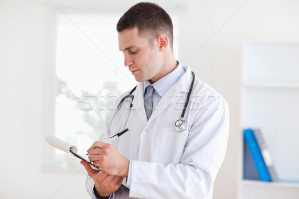 Jonge arts voorzichtig medische gezondheid Stockfoto © wavebreak_media