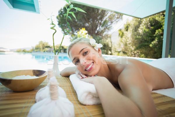 Belle femme massage table spa centre portrait Photo stock © wavebreak_media