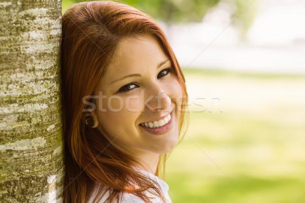 Portré csinos vörös hajú nő mosolyog park női Stock fotó © wavebreak_media