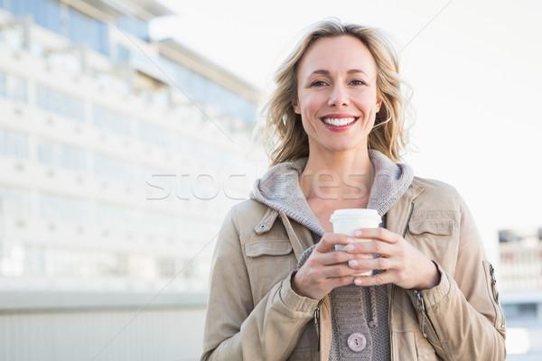 Mooie blond beschikbaar beker stad Stockfoto © wavebreak_media