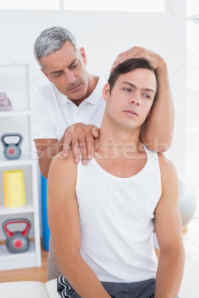 Médico cuello ajuste médicos oficina manos Foto stock © wavebreak_media