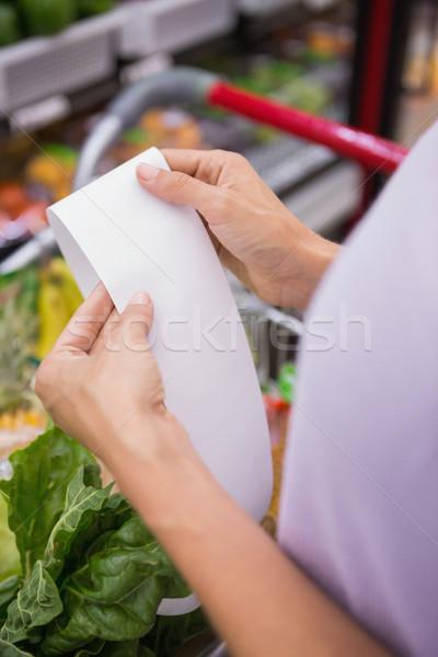Zdjęcia stock: Kobieta · czytania · zakupy · listy · widoku