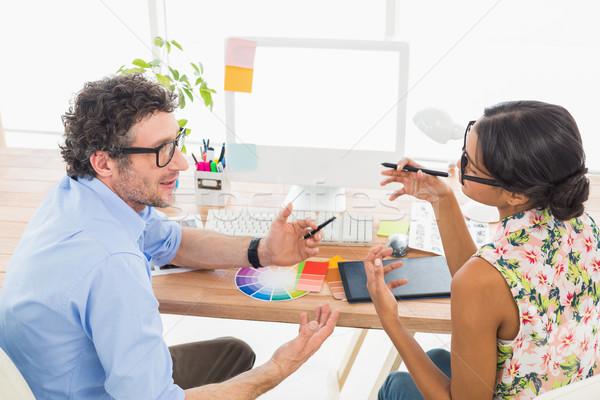 Trabalho em equipe juntos fotos escritório projeto tela Foto stock © wavebreak_media