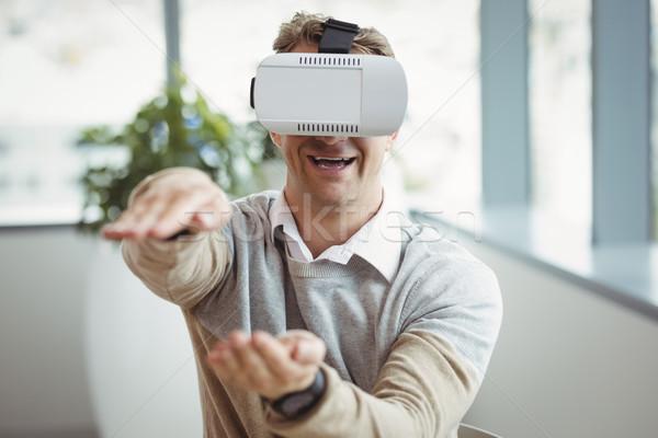 Felice executive virtuale realtà auricolare ufficio Foto d'archivio © wavebreak_media