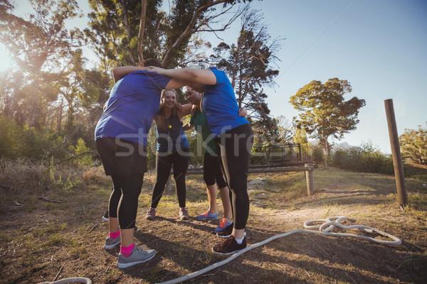 Grupo mujeres arranque campamento retrato mujer Foto stock © wavebreak_media