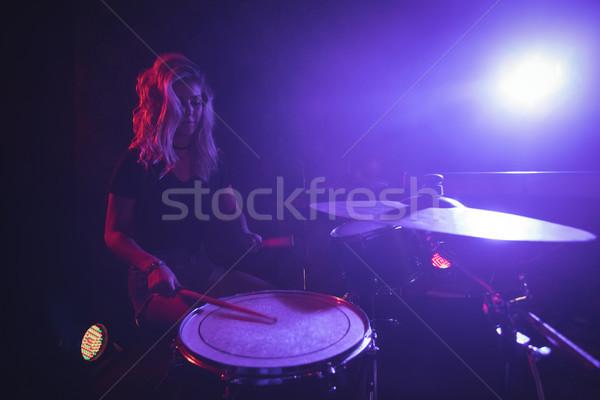 Kobiet perkusista etapie nightclub kobieta Zdjęcia stock © wavebreak_media