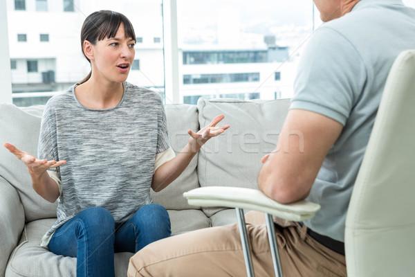Mujer consulta terapeuta clínica feliz salud Foto stock © wavebreak_media