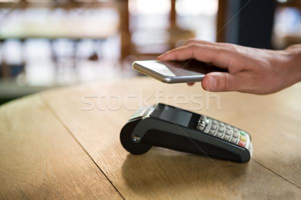 顧客 スマートフォン コーヒーショップ ビジネス 女性 ストックフォト © wavebreak_media
