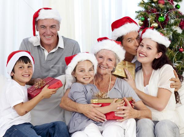 Моя семья дарит подарки