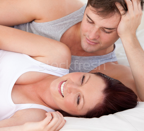 Primo piano affettuoso uomo guardando incinta moglie Foto d'archivio © wavebreak_media