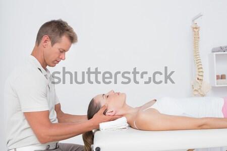 Arm masseuse hand glimlach Stockfoto © wavebreak_media