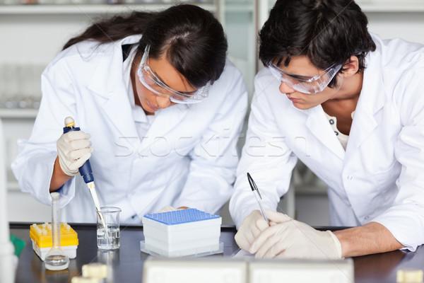 Gericht wetenschap studenten experiment laboratorium Stockfoto © wavebreak_media