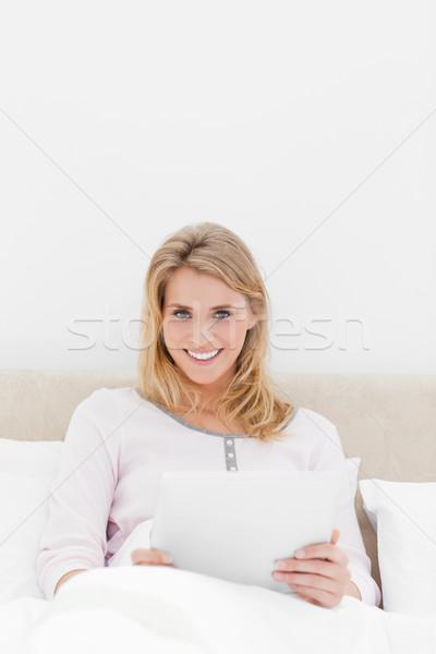 Shot donna guardando inoltrare sorridere Foto d'archivio © wavebreak_media