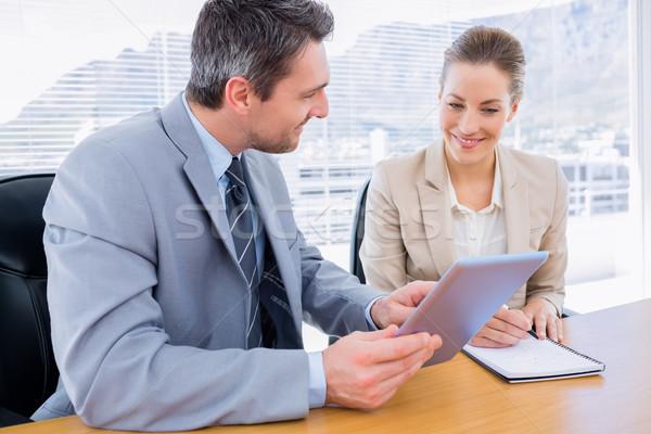 Koledzy spotkanie biznesowe młody człowiek kobieta człowiek Zdjęcia stock © wavebreak_media