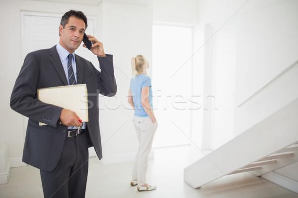 Makelaar oproep wazig vrouw business Stockfoto © wavebreak_media
