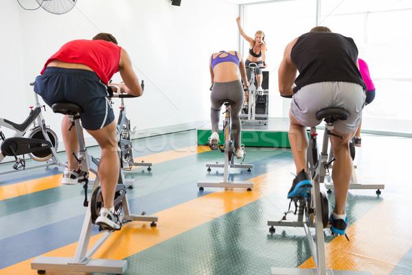 Spin klasy instruktor siłowni Zdjęcia stock © wavebreak_media