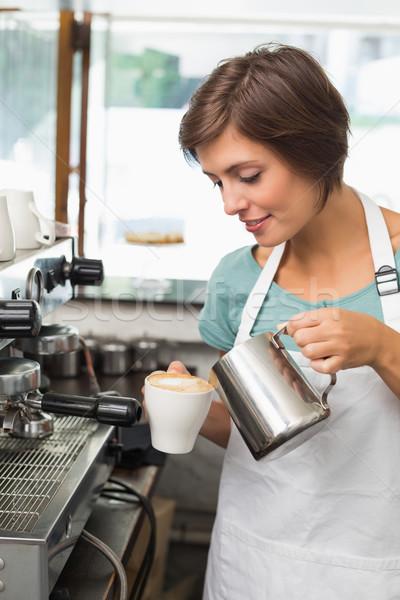Stok fotoğraf: Güzel · barista · süt · fincan · kahve
