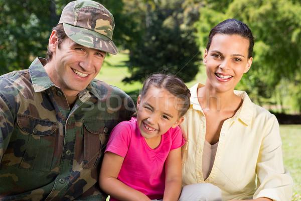 Przystojny żołnierz rodziny kobieta drzewo Zdjęcia stock © wavebreak_media
