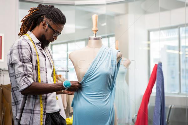 Mannelijke mode ontwerper etalagepop zijaanzicht werken Stockfoto © wavebreak_media