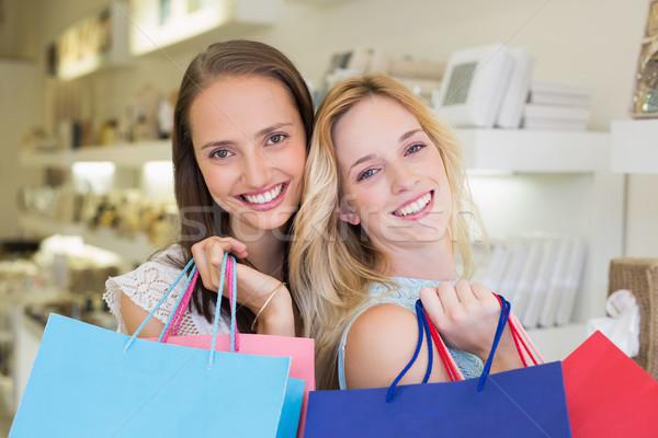 Boldog nők áll együtt mosolyog kamera Stock fotó © wavebreak_media
