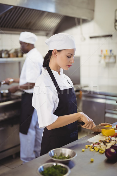 Női séfek tapsolás zöldségek kereskedelmi konyha Stock fotó © wavebreak_media